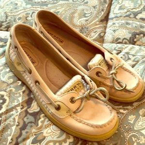 SPERRY light pink leather topsiders. Size 7